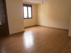Se alquila piso de 3 habitaciones en gros