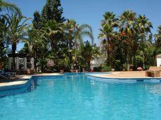 Alquiler en urbanizaci�n con piscina marbella