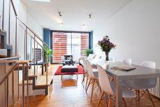Luminoso apartamento situado en un �tico con terraza privada