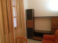 Amplio piso de 1 dormitorio junto derecho