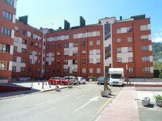 Al lado del nuevo hospital