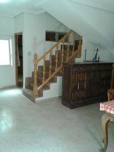 Casa nueva en pueblo a 20 minutos de Cuenca