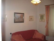 Piso de tres habitaciones en Goya, Muy bien comunicado