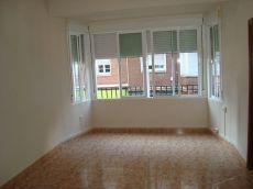 Z. Centro, Piso 85 m2, 3 hab, cocina, patio, ext. Sin mueble...