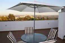 Atico con terrazas y vistas , soleado con plaza de parking