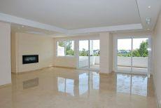 Moderno piso en Guadalmina Alta. Sin muebles.