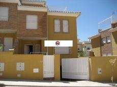 Chalet pareado 5 dormitorios huetor Vega Granada