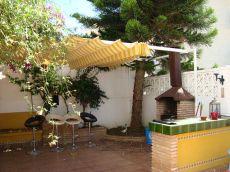 Playamar, Chalet en esquina sin muebles, Orientaci�n Sur.