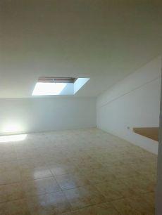 Alquiler apartamento abuhardillado