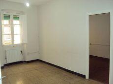 Manresa. Carrer Sant Andreu. 2 habitaciones. Exterior