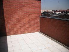 �tico con gran terraza y garaje opcional