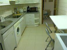 Vivienda con calefacci�n, 3 dormitorios, 2 ba�os Prox. Col�n