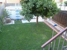 Chalet adosado 4 plantas con terraza 70m2 en zona tranquila.