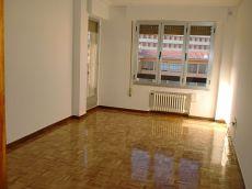 Se alquila piso sin muebles en san claudio