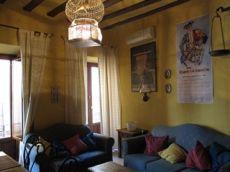 Barrio santa cruz casa de tres plantas con dos dormitorios