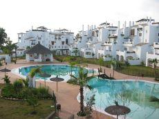 Apartamento en planta baja en Urbanizaci�n las adelfas