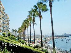 En la playa, centro marbella. 2 dormitorios piscina y jard�n
