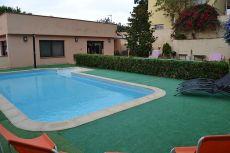 Magnifica casa a cuatro vientos con jard�n y piscina privada