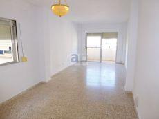 Piso de 3 habitaciones muy luminoso en zona Son Cotoner