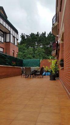 Bajo con amplia terraza en Sopelana