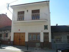 Casa planta baja con patio i garaje