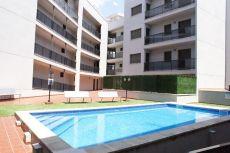 Piso econ�mico con piscina y parking