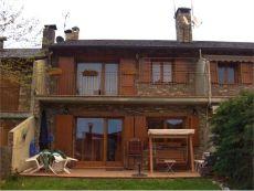 Casa Xalet adosado en pueblo de monta�a tranquilo y soleado