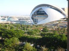 Pisazo amueblado con vistas a la ciudad de las ciencias