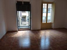 Piso de 3 habitaciones sin muebles en alquiler. Tarragona