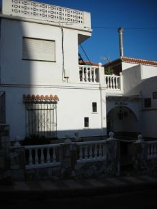 Casa muy cerca del puerto de aguadulce