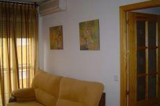 Calle previsi�n. 2 dormitorios. Reformado. 340 euros mes
