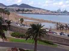 Frente a playa Alcaravaneras, bonito apartamento