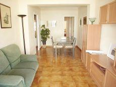 Piso de 3 habitaciones con terraza en zona Plaza Madrid