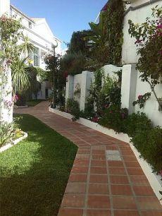 Apartamento en Urbanizaci�n Las rosas de Nerja