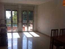 Bonito piso en alquiler sin muebles en la Bisbal pueblo