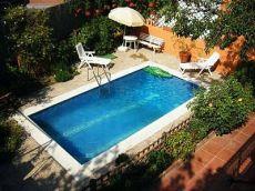 Alquiler chalet Barcelona 3 dormitorio,jardin y piscina.