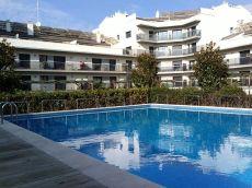 Piso para entrar a vivir en el centro con piscina y terraza