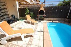 Casa adosada con piscina y pk