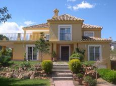 Casa lujosa en Los Monasterios.