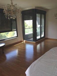 Bonito piso seminuevo con garaje y piscina sector Azucarera