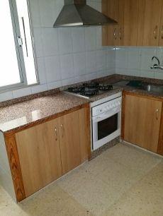 Alquiler piso sin muebles, 2 hab. , lavadero, balc�n