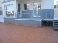Planta baja 3 habitaciones con 90 metros de terraza en Segur