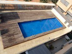 Excelente �tico de lujo con piscina y 2 plazas de Garaje