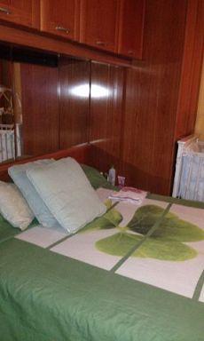 Piso semi amueblado de tres habitaciones