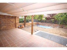 Amplio chalet adosado con piscina privada
