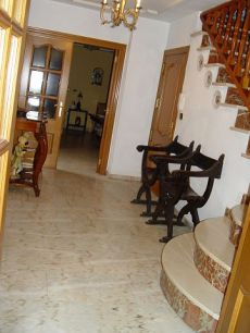 Se alquila casa de 350 metros en X�tiva