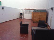 Seminuevo 2d amueblado con patio de 40 m2 y garaje