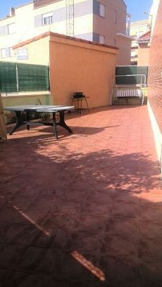 Adosado con gran terraza amueblado listo para vivir
