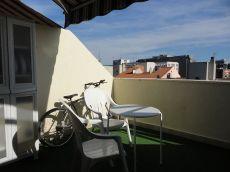�tico muy luminoso con amplia terraza en Plaza Castilla