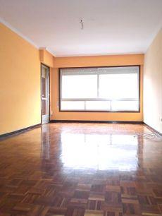 G. Barbon de 4 dormitorios con garaje y calefaccion